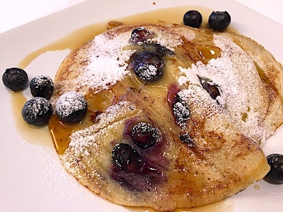 James McConnell Cooks Beautiful American Blueberry Pancakes