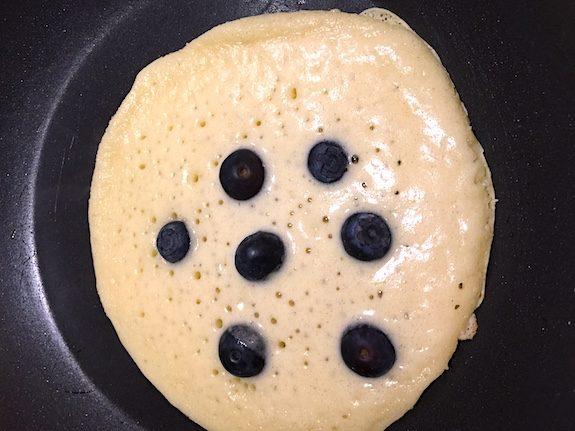 James' Beautiful American Blueberry Pancakes